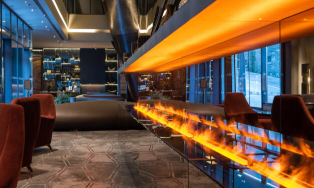 Hilton revisits a former warehouse in Porto, on the banks of the Douro